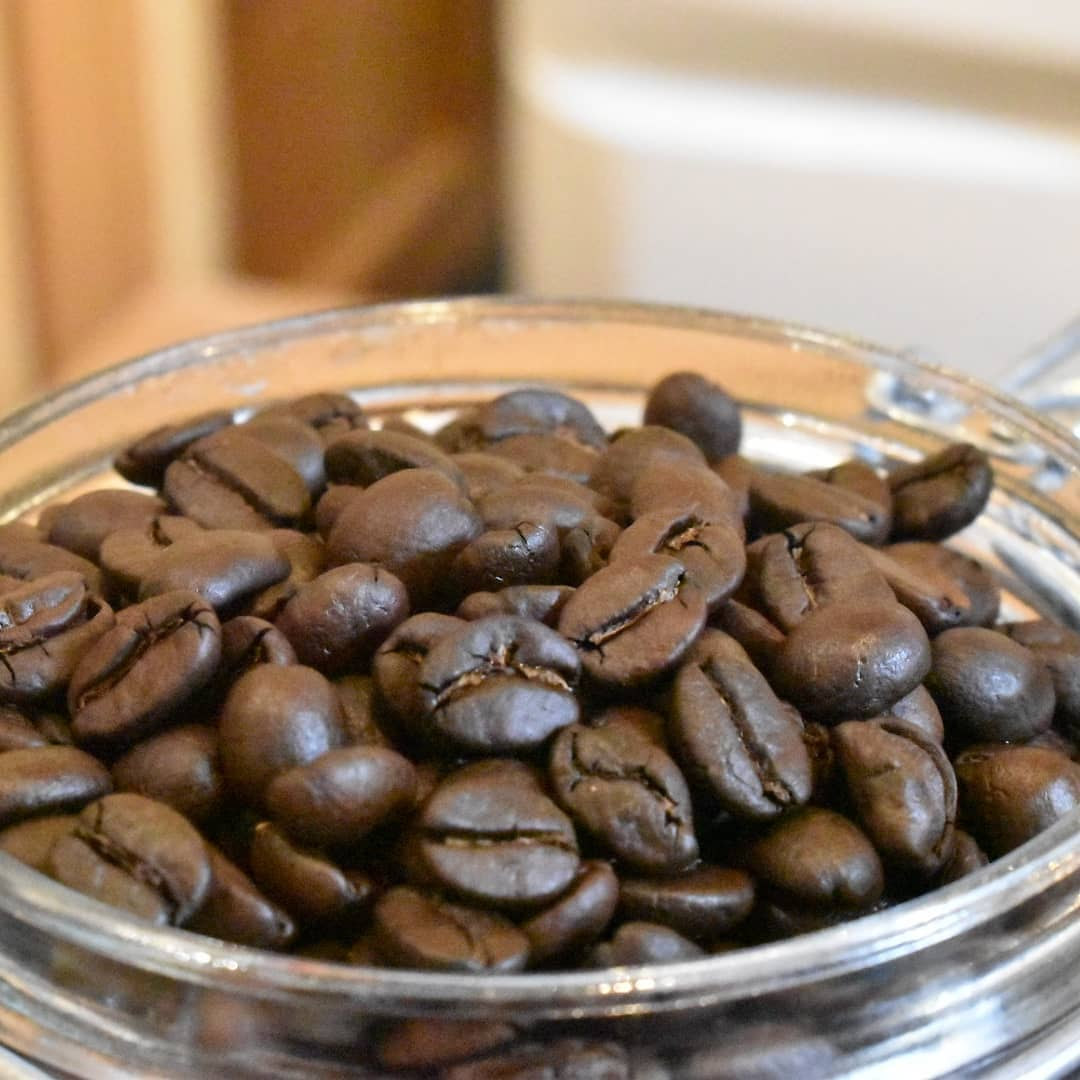 4月16日に焙煎したタンザニア良い香りを放っています。 飲み頃買い時だと思いますよ。   あと10日あまりで当店は3年目に突入致します。GWには2周年記念のイベントを催したいと思います。   内容は近日中に発表させて頂きますね。  # 喫茶店