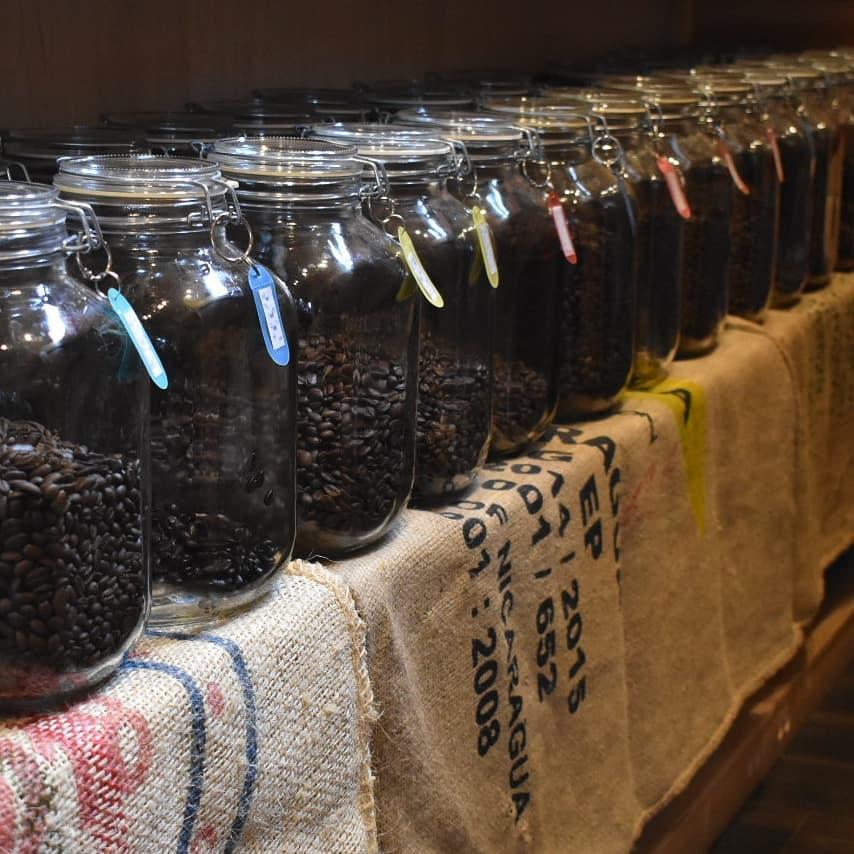 本日焙煎した銘柄は   (カフェインレスブラジル)  になります。  店頭でもご指定頂ければ本日焙煎した豆をお買い上げ頂けます。  是非お立ち寄り下さい。